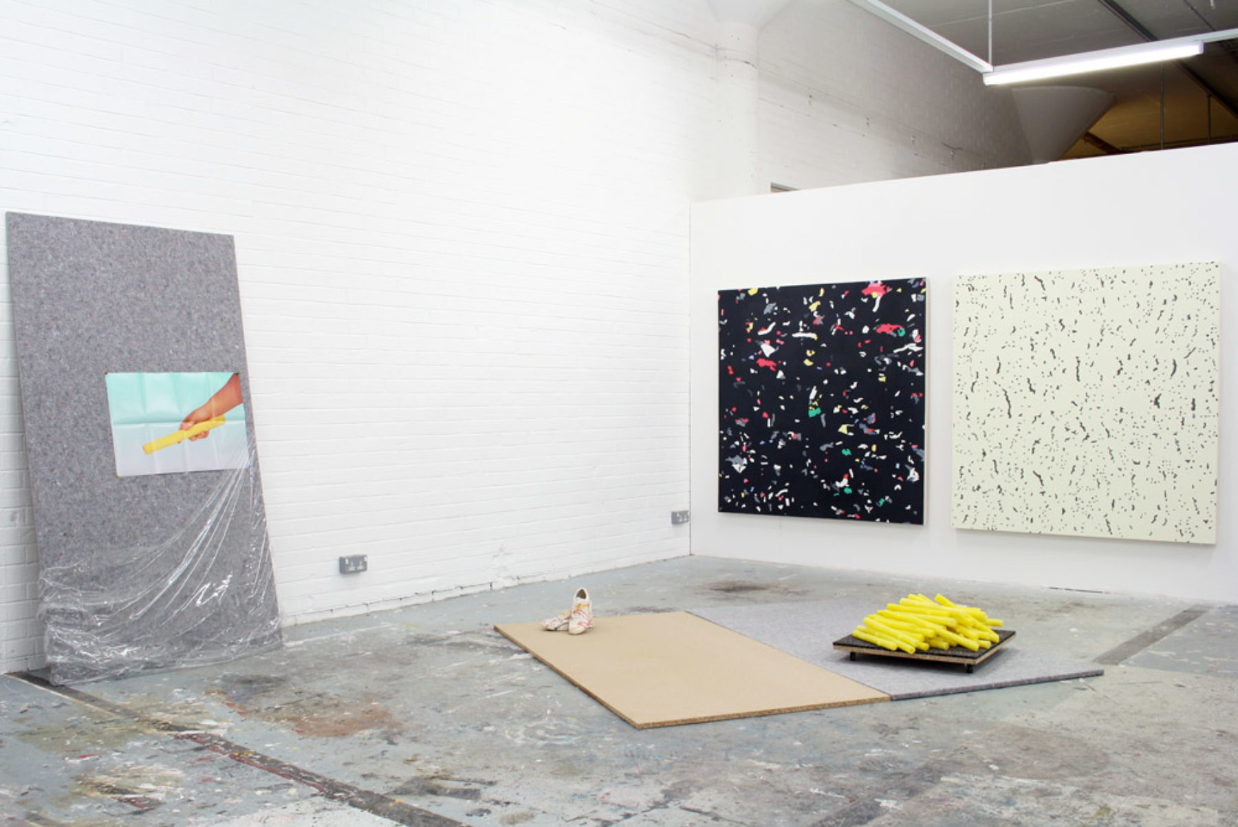 Sebastian Jefford, Potemkin Leisure Village (2012_ installation view